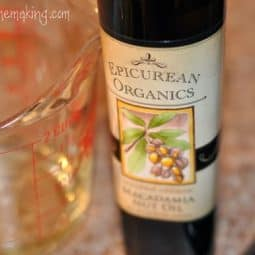 Organic Macadamia Nut Oil from Mountain Rose Herbs