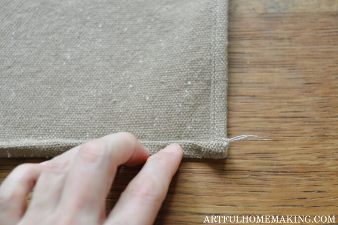 how to make a table runner with grain sack