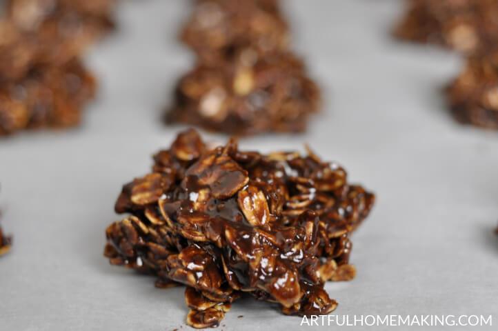 honey-sweetened chocolate no-bake cookies