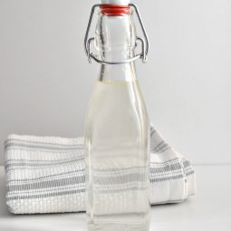 Homemade Natural Essential Oil Mouthwash Recipe
