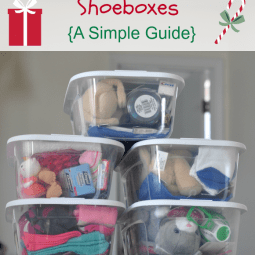 Operation Christmas Child Shoeboxes {A Simple Guide}