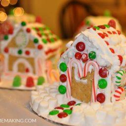 Super Easy No-Bake Gingerbread Houses