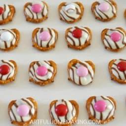 Simple 3-Ingredient Valentine Pretzel Treats